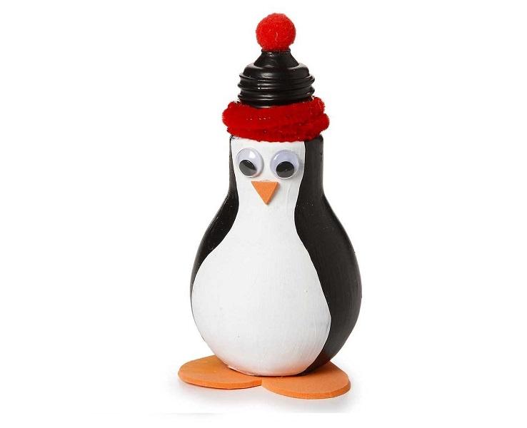 Пингвин из лампочек
