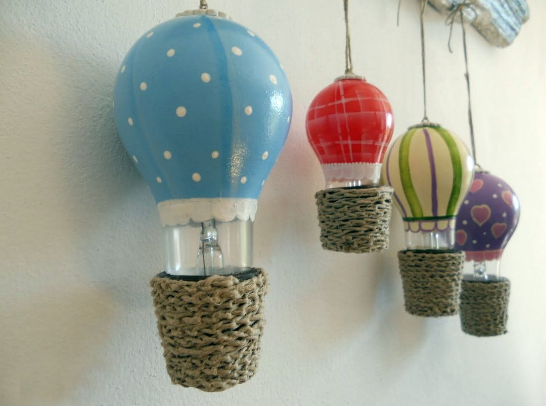 Воздушный шар из лампочки