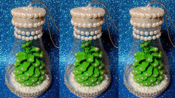 украшение из пластика на елку