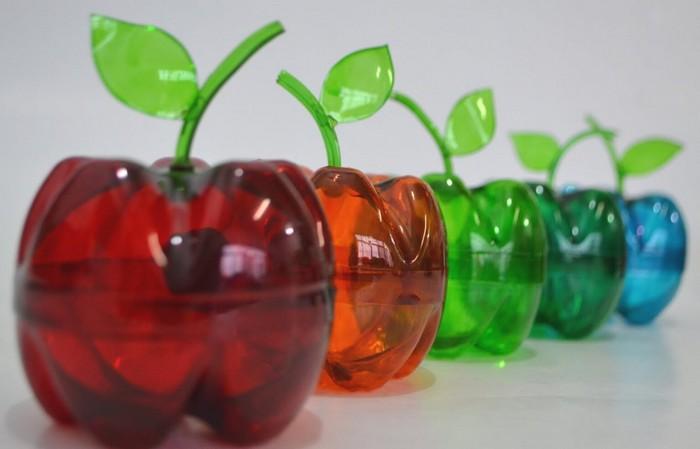 яблоко из пластика